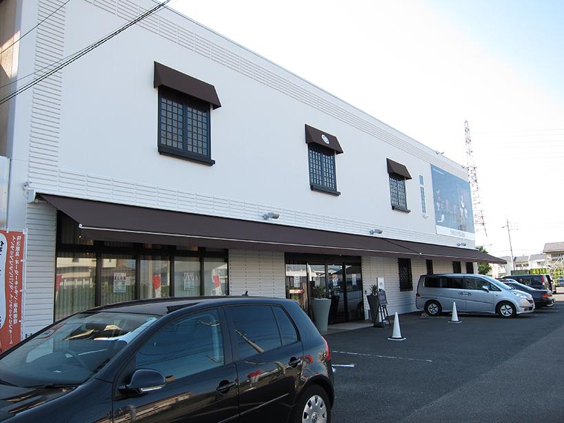 リモコンで開閉できる電動オーニング 愛知県北名古屋市